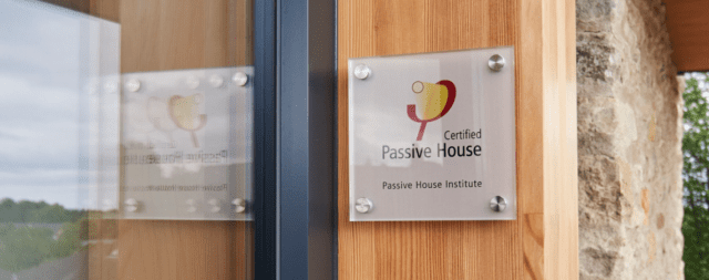 PassivHuas Plaque